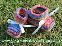 http://kunterbunter-vogel.blogspot.de/2017/03/baby-schuhe-aus-sockenwolle.html