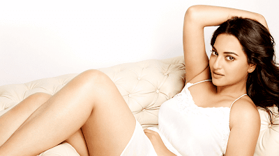 Sonaksha Sinha Hot And Sexy Picture Free Download