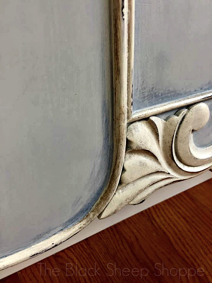 Decorative trim on footboard
