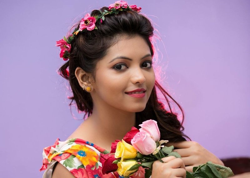 Actress Athulya Ravi Hot Stills