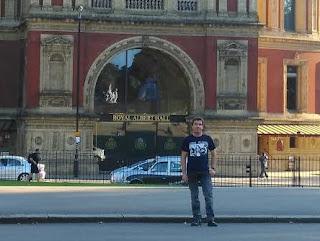 A las puertas del Royal...