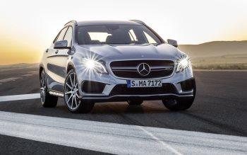 Wallpaper: 2015 Mercedes-Benz GLA 45 AMG