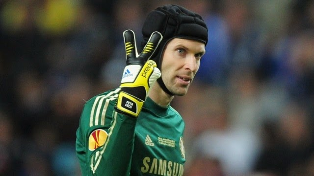 Chelsea keeper Petr Cech on Roma's radar