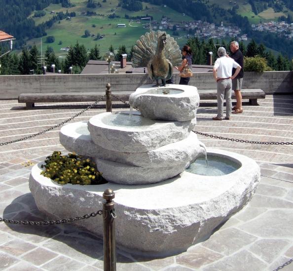 Arredo in fontane da giardino for Bricoman arredo giardino