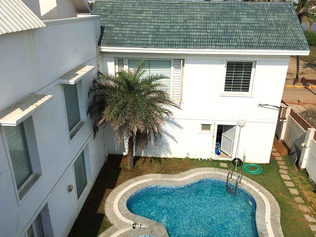 private beach house in ecr