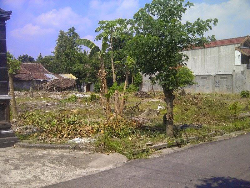 http://tanahperumahanjogja.blogspot.co.id/2014/06/tanah-dijual-kaliurang-jogja-di-dayu-km-8-ngaglik-sleman.html