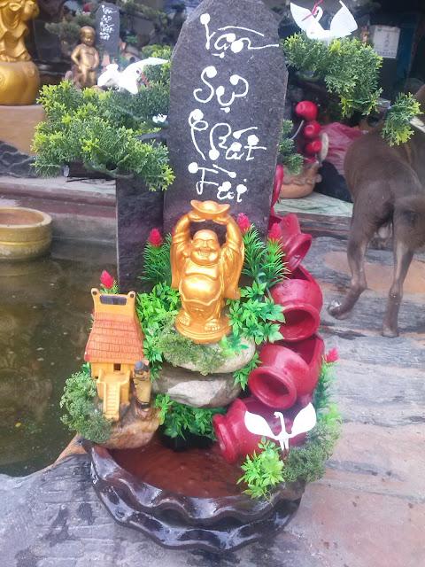 thác nước phong thủy vạn sự phát tài tượng Phật di Lặc