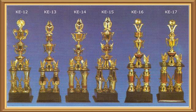 Piala Kaki Empat , Asaka trophy,piala kaki 4,Agen piala, duplikat piala, Grosir Agen Piala Murah, grosir piala, Harga Pembuatan Trophy, Harga Trophy, Pabrik Trophy Piala Online,