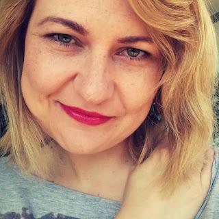 7 faktów o... Agacie Czykierdzie-Grabowskiej i jej najnowszej powieści Pod skórą