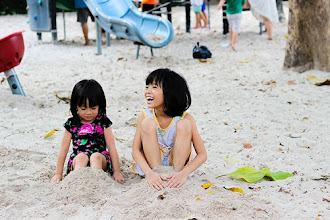 Seeing the World with Tiny Tots in Tow