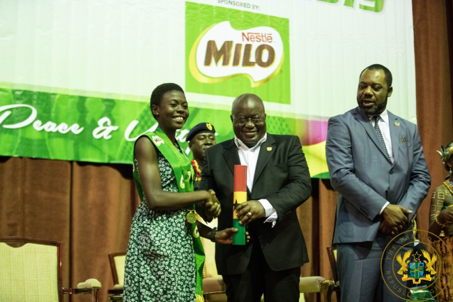 President Akufo-Addo Presents Awards To 2018 Best BECE Students