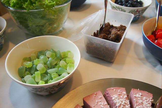 vegan party vegaaniset tarjottavat vegan candy Härkis