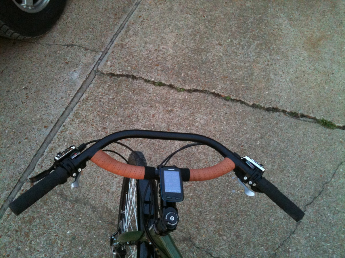 9ea82dc110e The Jones Loop bar sans Brooks leather grips. The leather tape adds a nice  touch and complements the color palette.
