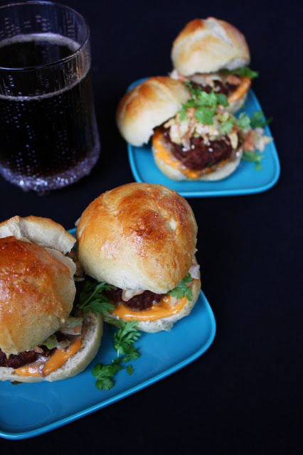 korea korealainen hampurilainen slider korean food ruoka burger burgeri miniburger miniburgerit kimchislaw