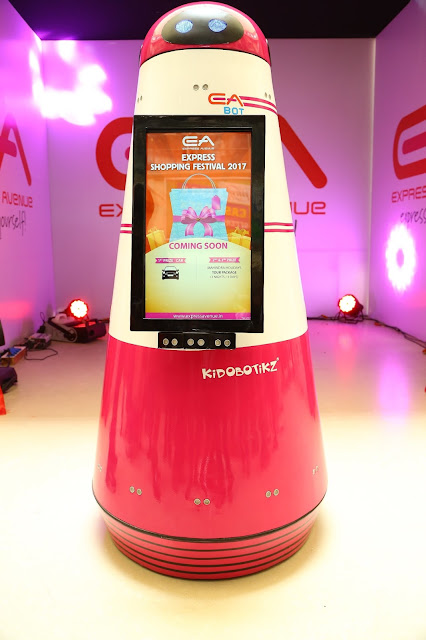 """Express Avenue : """"EA BOT"""" - First Ever Robot in any Indian Mall"""