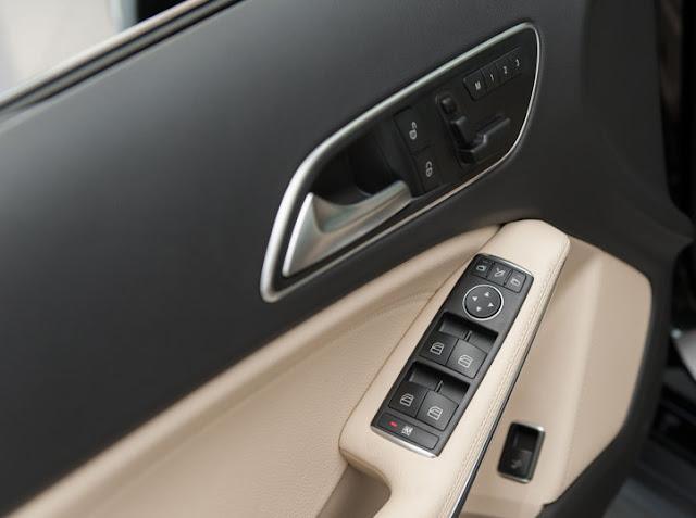 Ghế ngồi Mercedes GLA 200 chỉnh điện