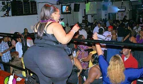 http://4.bp.blogspot.com/-hbQ02FT887o/TjMsMj1H6EI/AAAAAAAAASU/vKF8hsN0zj0/s1600/ghetto_booty.jpg
