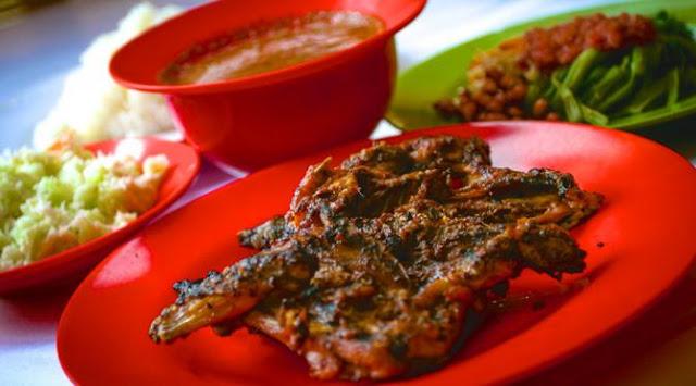 Lezatnya ayam taliwang khas Sasak lombok