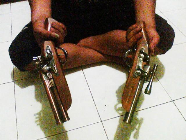 Toko Bazz.com Enterprise: Korek Pistol Klasik JUMBO