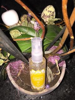 Brume parfumée corps et cheveux de la marque  Purabali de la Biotyfull Box de juin