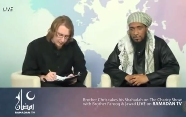 Allahu Akbar.. Pastur Ini Nyatakan Masuk Islam Pada Acara Live Di TV