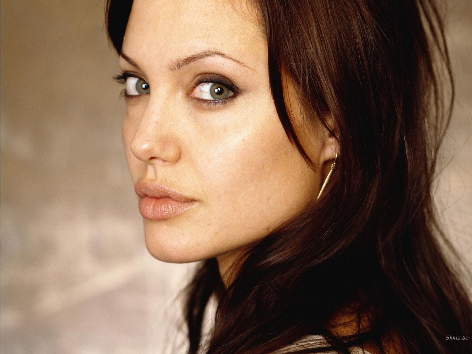 ANGELINA JOLIE WALLPAPERS ~ HD WALLPAPERS