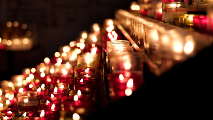 Wallpaper: Candlelight in Church