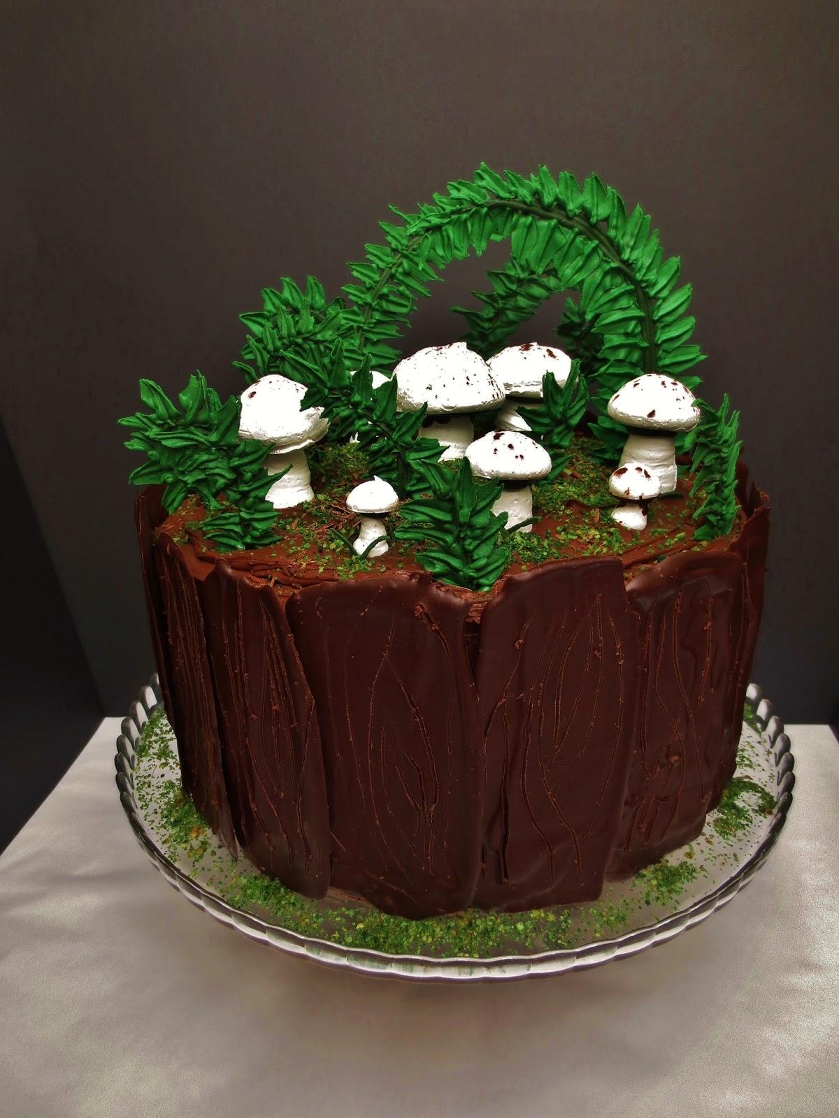 julias torten und t rtchen forest themed cake nougat torte. Black Bedroom Furniture Sets. Home Design Ideas
