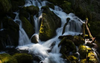 Wallpaper: Cascades below Watson Falls
