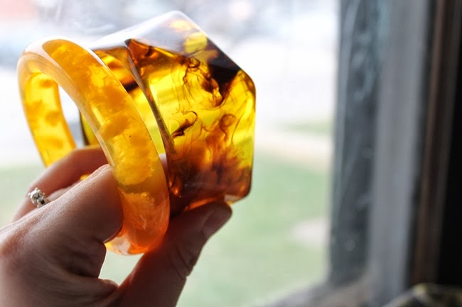 lucite bakelite look alike applejuice rootbeer bangles