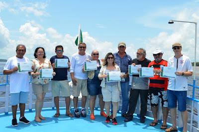 Integra CPRM em Manaus leva funcionários para excursão de barco no rio Amazonas