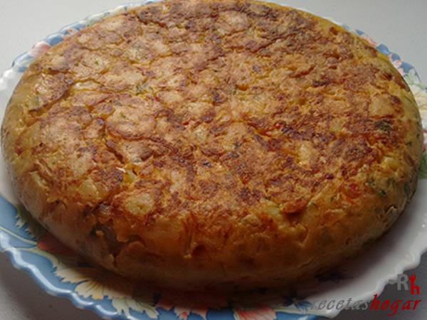 Receta de la tortilla española con pimiento y atún