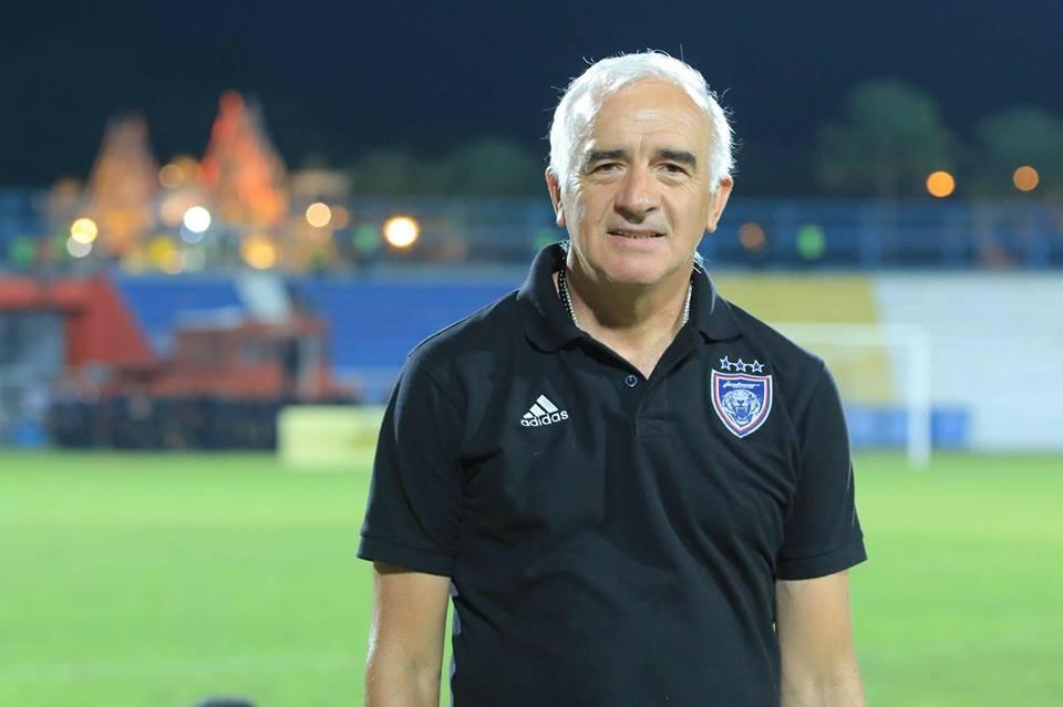 Pelatih Persib Bandung Minta Restu dari Bobotoh