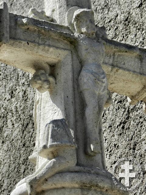 BALLEVILLE (88) - Croix de chemin du Ménil-sur-Vair (XVIIe siècle)