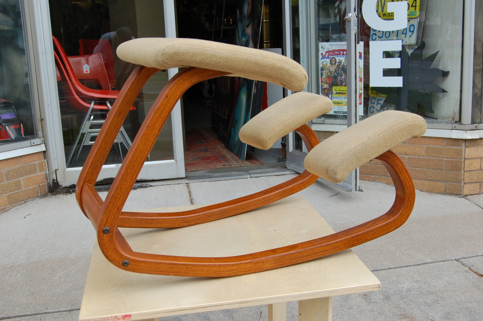 Ergonomic Chair Stokke Varier Thatsit Cover Express Long Beach Hazel Home Art And Antiques Wausau Wisconsin Rethinking