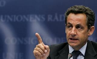 الرئيس الفرنسي السابق ساركوزي رهن الاحتجاز في قضية تمويل مشبوهه لحملته الإنتخابية