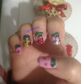 christmas_stockings_nail_art