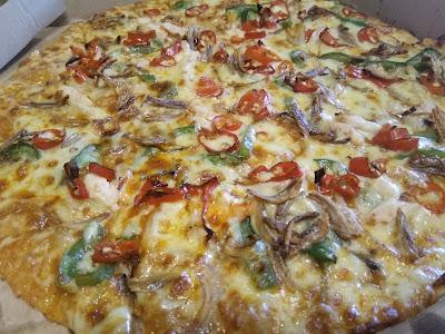 spicy sambal, piza domino's, domino's piza, piza ikan bilis