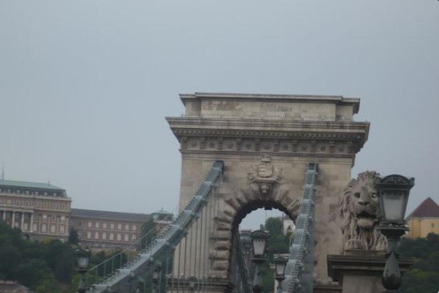 particolare del ponte delle Catene