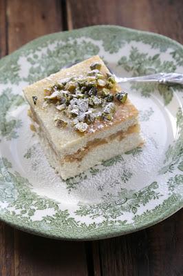 gâteau fromage blanc, pommes, pistache , cuisine russe