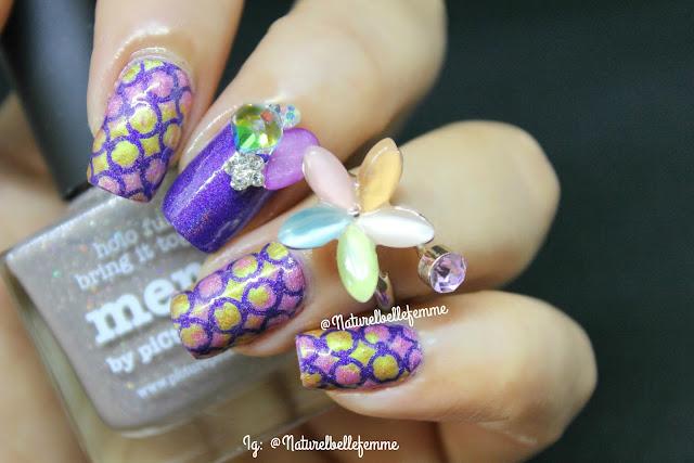 nail stencil nail art