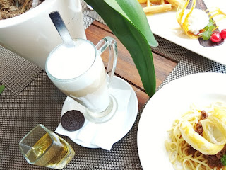 cafe latte di pesonna cafe