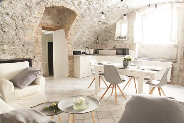 Il castello di zucchero un appartamento sul lago di garda for Casetta sul lago catskills ny