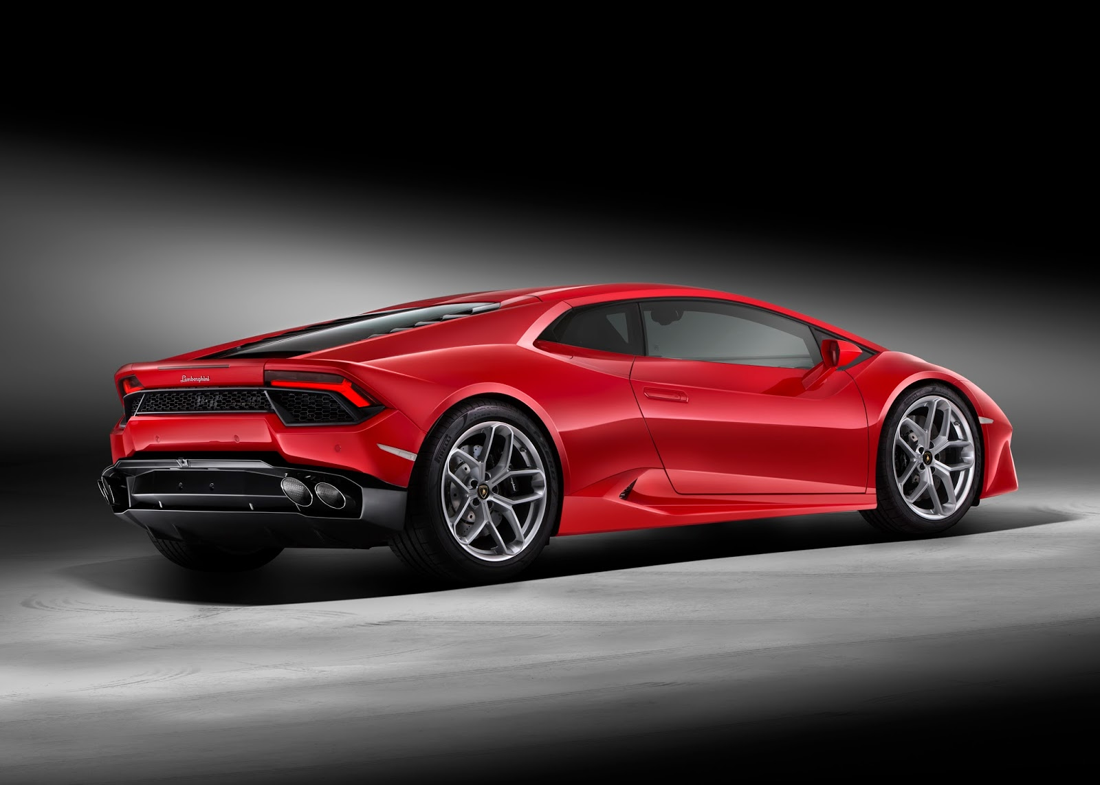 409536 Lamborghini Huracan LP580-2 : Η πιο fun to drive Lamborghini είναι πισωκίνητη και η φθηνότερη Lamborghini, Lamborghini Huracan, Lamborghini Huracan LP580-2, supercars, videos