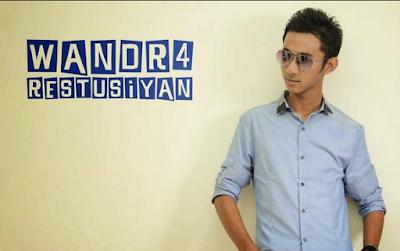 http://xtcptmusic.blogspot.com/2016/03/kumpulan-lagu-wandra-mp3-lengkap-terbaru-terpopuler.html