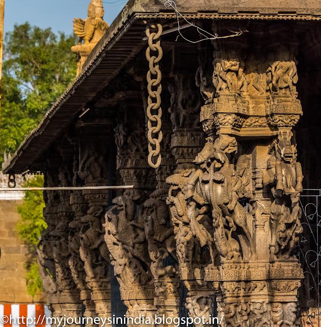Kanchipuram Varadharaja Perumal Temple Mandapam Stone Chain