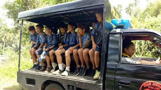 Kesulitan Transportasi, Polsek Motoling Fasilitasi Anak Sekolah