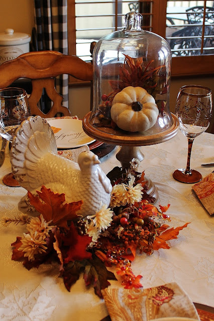 Southern seazons thanksgiving table in the kitchen