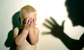 6 señales de que fuiste criado por un padre o madre narcisista
