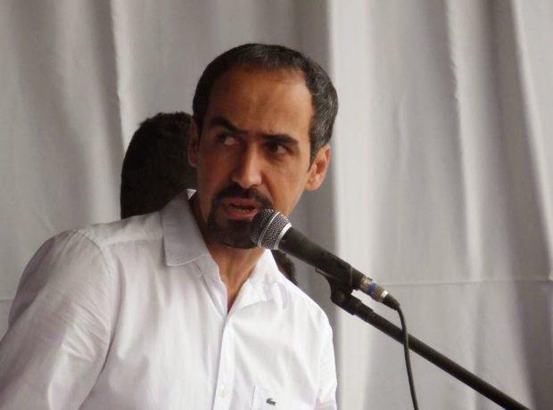Criminosos ateiam fogo em residência do ex-prefeito de Aliança